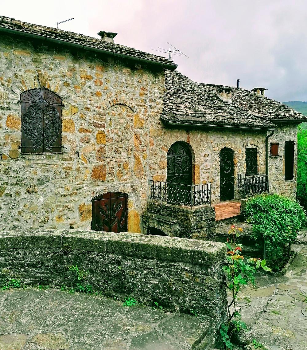 Casette nel borgo di Brugnello