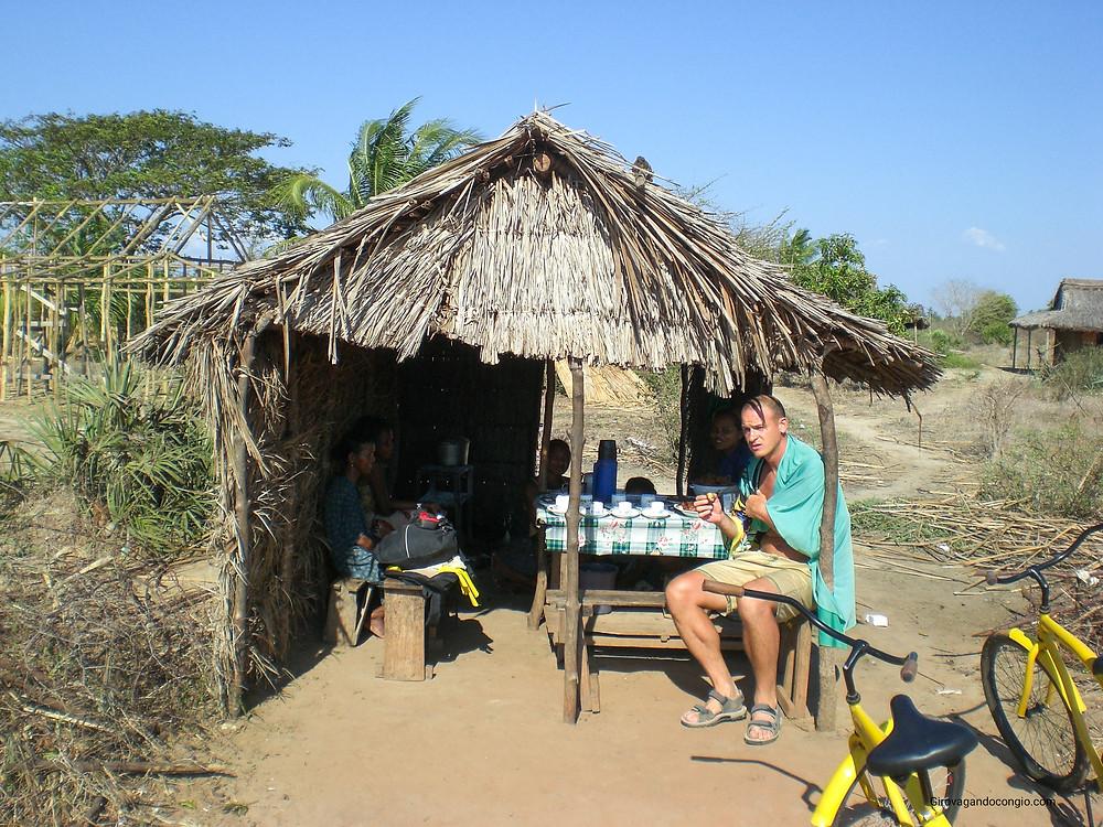 Madagascar, Morondava in bicicletta