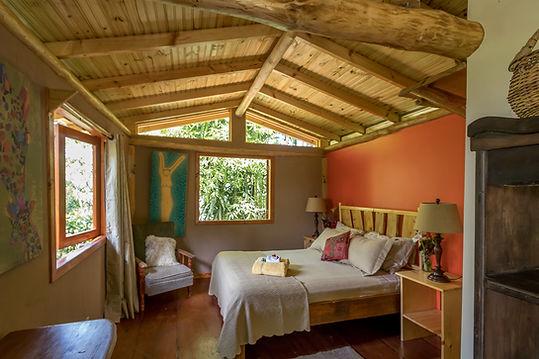 horse-cabin-10.jpg