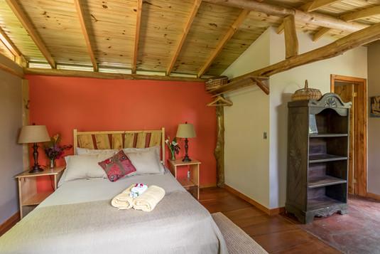 horse-cabin-11.jpg