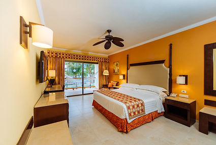 Barcelo MAYA Palace_ROOM_62_low.jpg