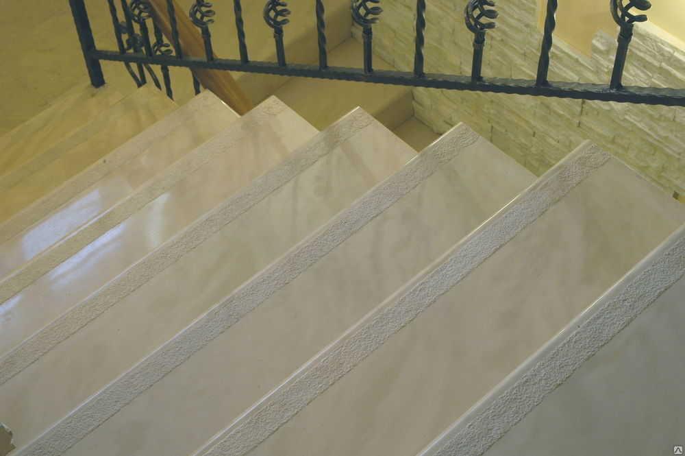 Лестница в ТЦ
