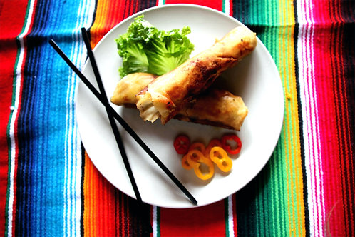 Spicy chicken and lemongrass roll ups