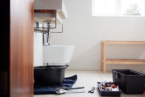 plumbing-tools-in-bathroom-ready-to-repa