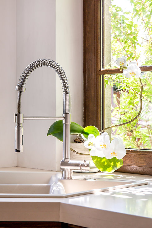 sink-and-tap-PSJNR8B.jpg