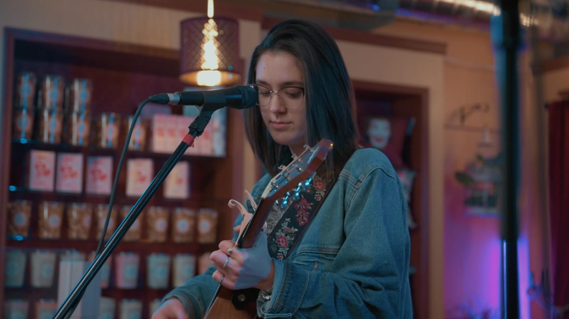 Musical Guest: Lauren