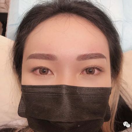 想要纹一个一样完美的眉毛吗 ?