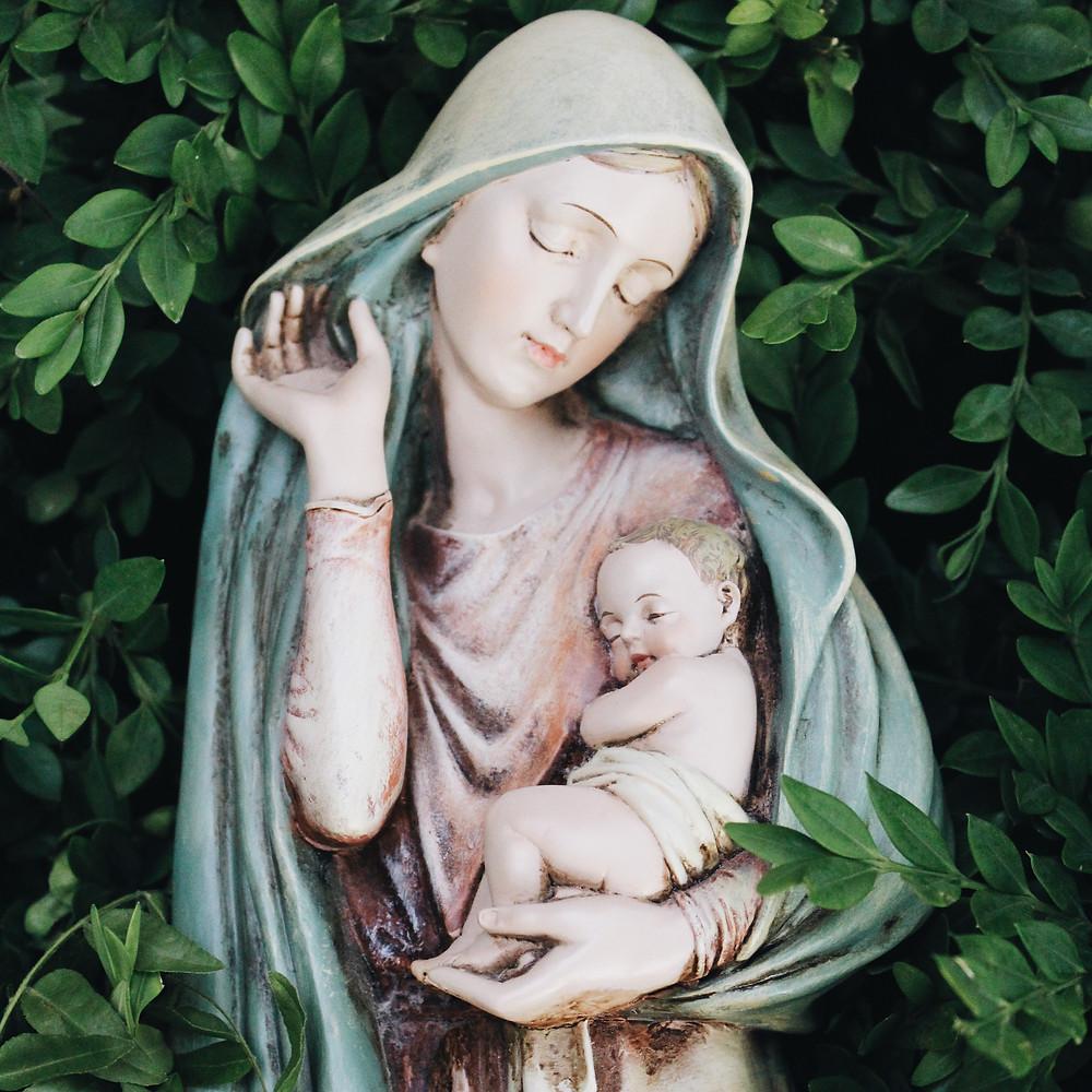 Mary, Jesus, Advent, Christmas, Karen May, Amayzing Graces