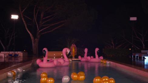 la villa - pool party 2.png