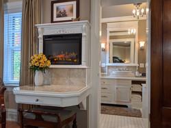 BrickInn Letchworth State Park State Wren Guestroom Custom Fireplace with Desk