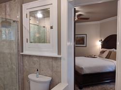 BrickInn Letchworth State Park State Wren Guestroom En Suite Bathroom