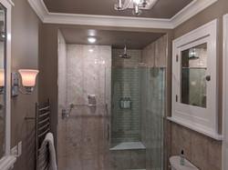 BrickInn Letchworth State Park State Wren Guestroom Bathroom Shower