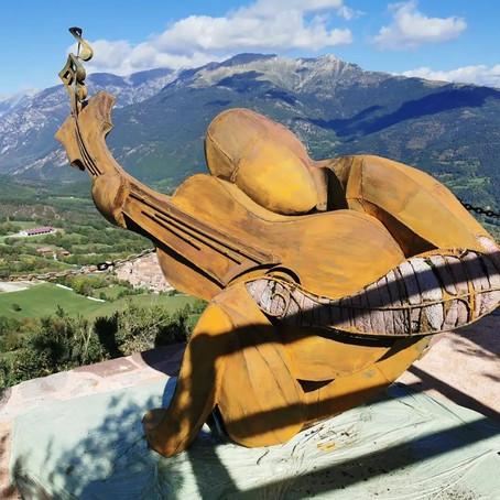 Homenajean a Pau Donés con una escultura en España