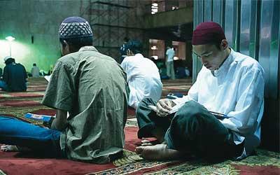 Allah Selalu Lindungi Pemakmur Masjid