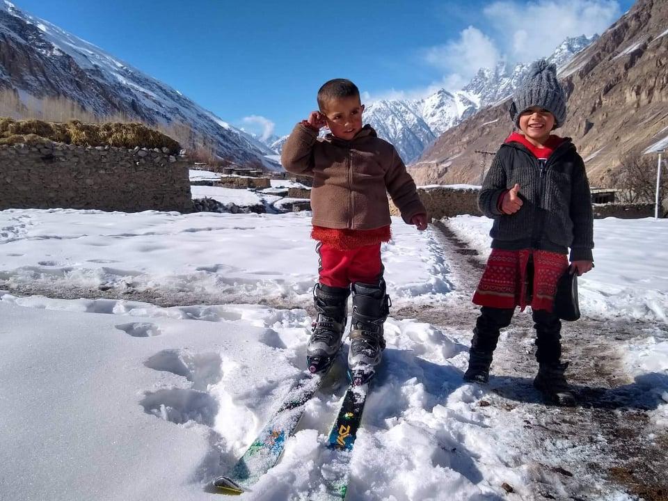kids and big skis.jpg
