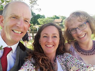 Selfie with Sian Jackson, celebrant and a smiling bride and groom
