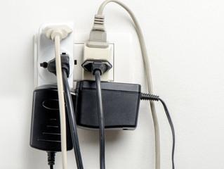 DICAS PARA SE PREVENIR CONTRA ACIDENTES DOMÉSTICOS COM ENERGIA ELÉTRICA
