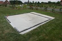 vloerplaat beton tuinhuis.jpg