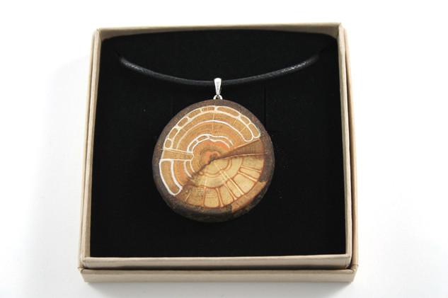 Amulett aus Eiche