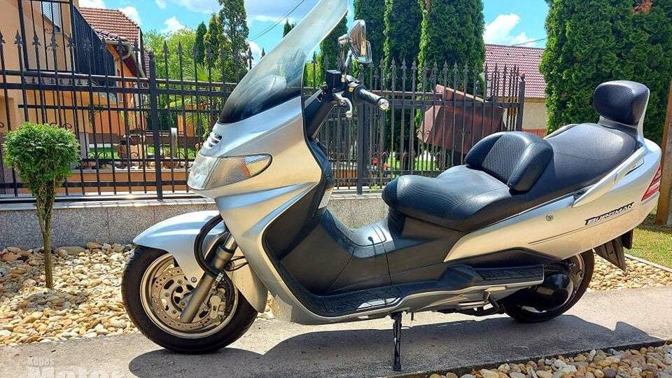 Suzuki Burgman 250 - 2000 -36 ekm