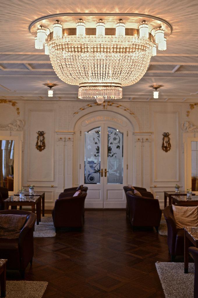 David Szarka Kristall Plafoniere Hotel des Balance Luzern