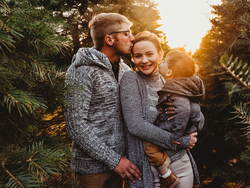 Christmas Tree Farm Family Photography | Poconos, PA