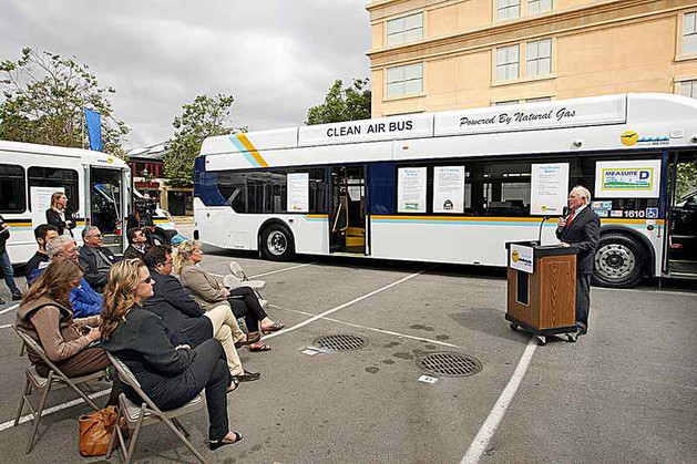 Santa Cruz METRO rolls out new buses and vans funded through Measure D and SB-1