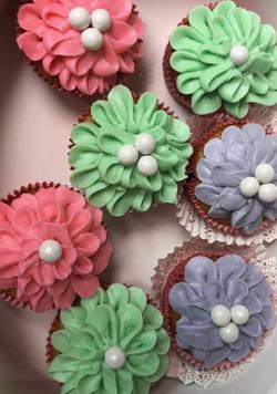 Pineapple Surprise Cupcake