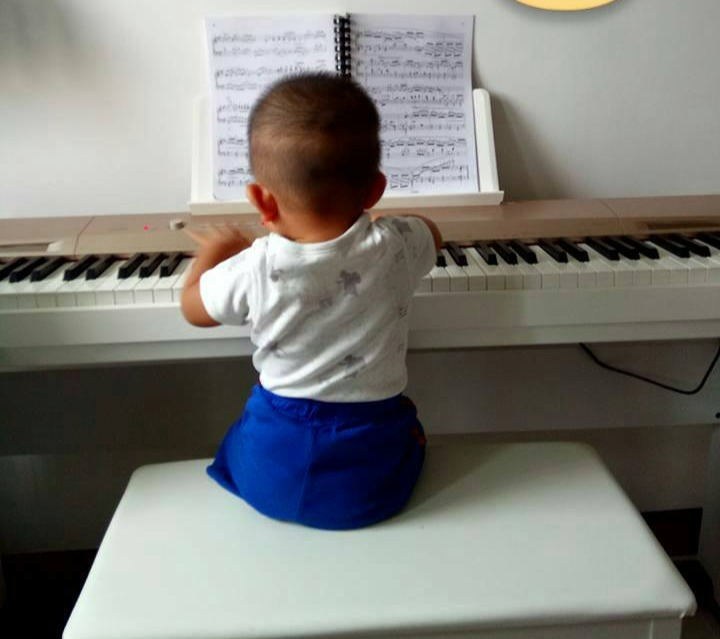 tailor made individual piano lesson