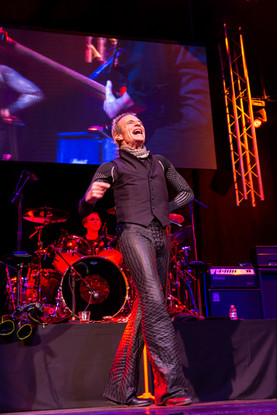 Diamond David Lee Roth High-Kicks Off A New Vegas Residency at House of Blues