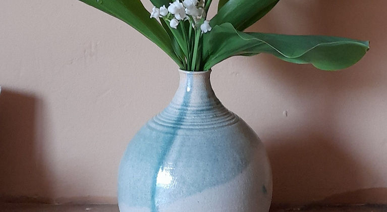 vase muguet 1_edited.jpg