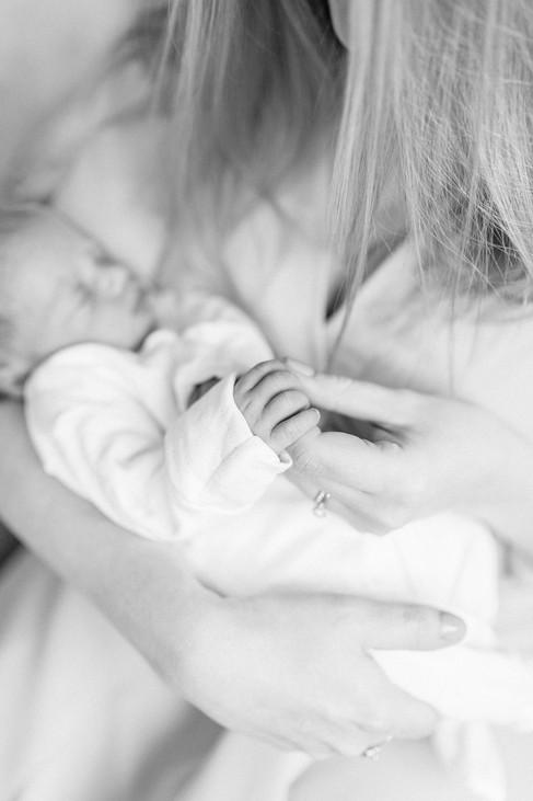 newborn in home session essex