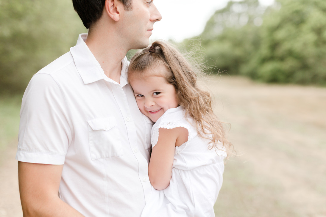 daddy and daughter woodland photo shoot essex