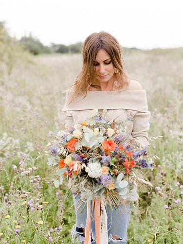lady holding flowers, florist, boho flowers, colchester branding photo shoot