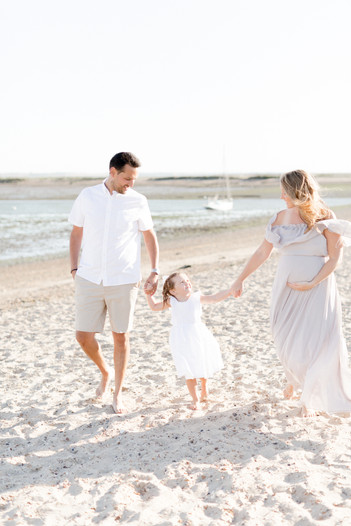 outdoor natural beach photo shoot maternity family photographer colchester
