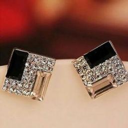 Pretty fine jewels earring.jpg