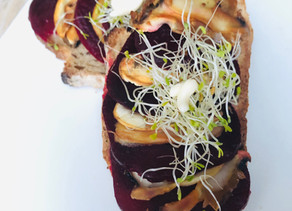 Bruschetta d'hiver : champignons et betteraves