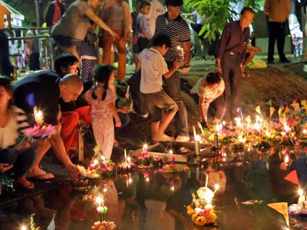 Loi Krathong in Sukhothai