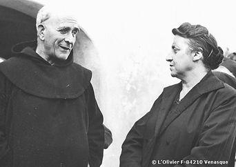 Père-Marie-Eugène-1960-Venasque-et-Marie