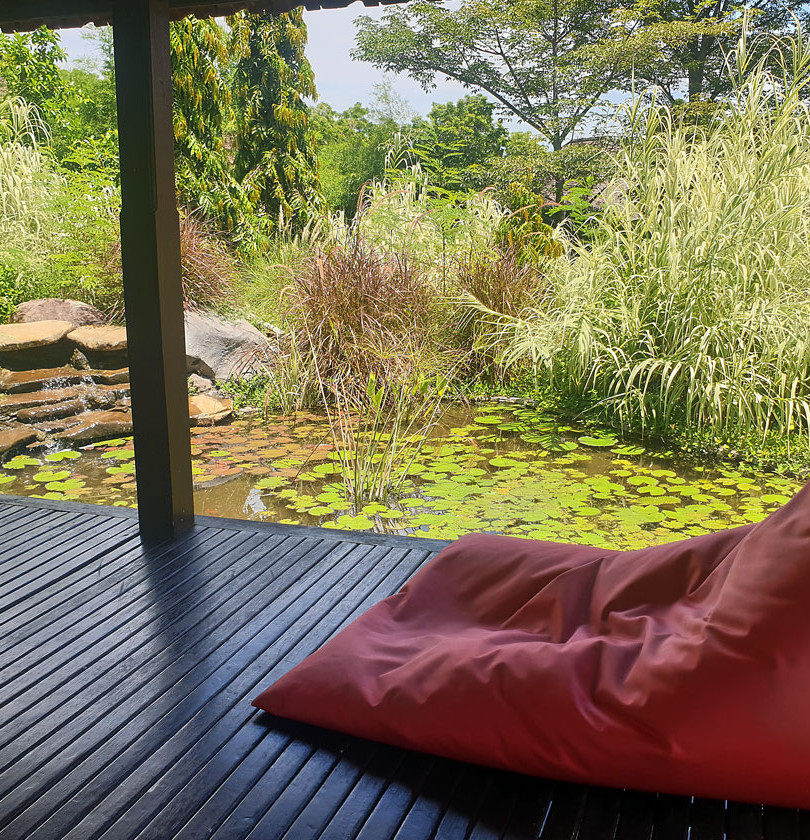 Family Room Private Pond and Gazebo
