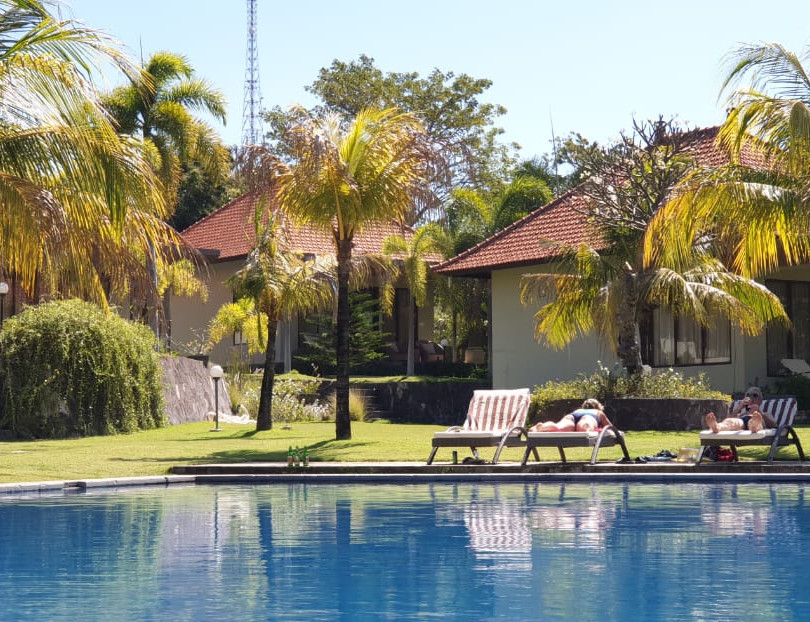 Pool and Private Villas