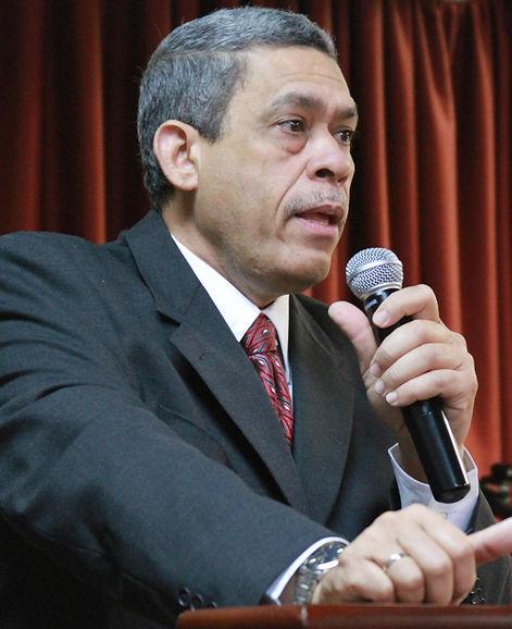 Pastor Pedro Julio Fernández