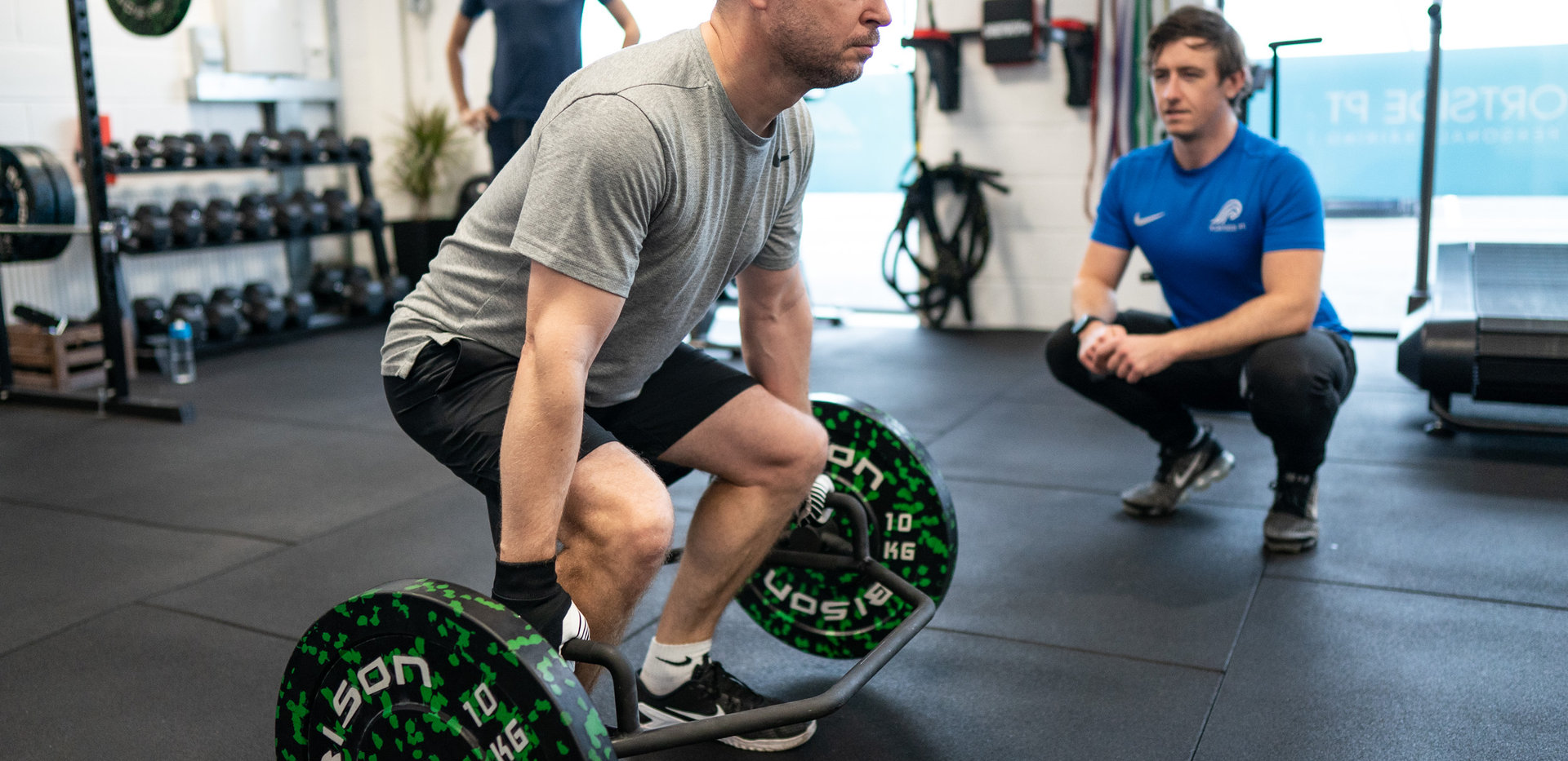 Deadlifting with the hex bar