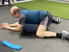 Engage the Glutes, Loosen the Hips!