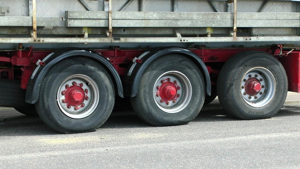 Cloud Fleet Management Software for your trailer equipment maintenance log