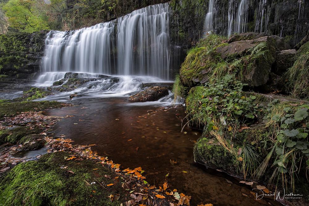 Sgw Isaf Clun Gwyn, Amazing Waterfall