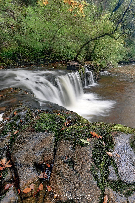 Sgwd y Ddwli Isaf, Amazing waterfall, Waterfall guide
