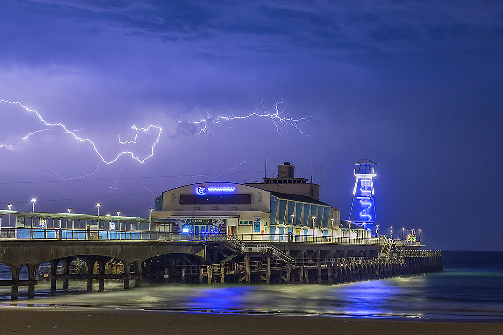 bournemouth pier lightning, lightning, lightning strike, lightning bolt, bournemouth pier