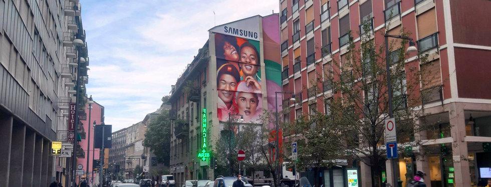 mural advertising milano