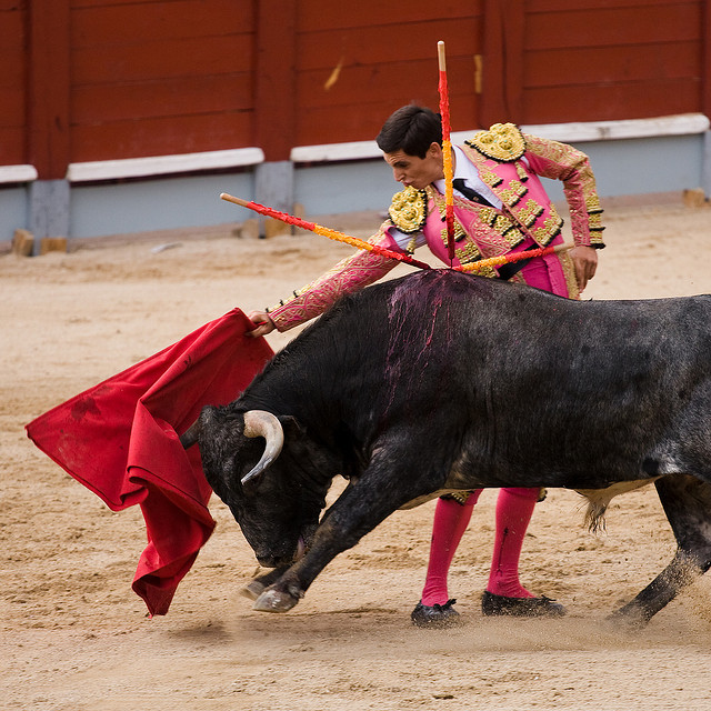 Easy Spanish News: Famous Swiss Woman Storms Spanish Bullfight In Protest
